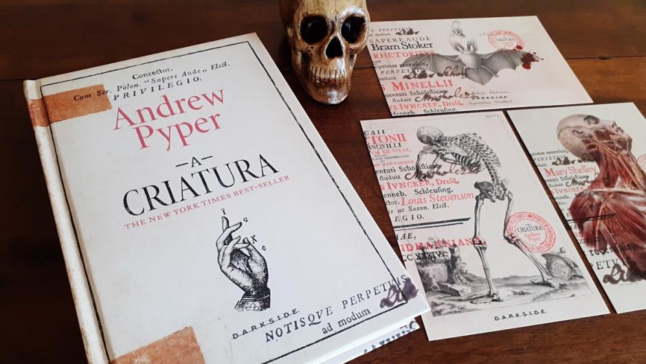 Capa do livro A criatura, de Andrew Pyper, publicado pela DarkSide Books.